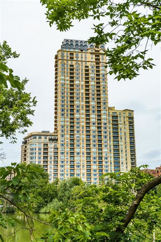 Photo of 2550 N Lakeview Avenue #S2803, Chicago, IL 60614 (MLS # 11019298)