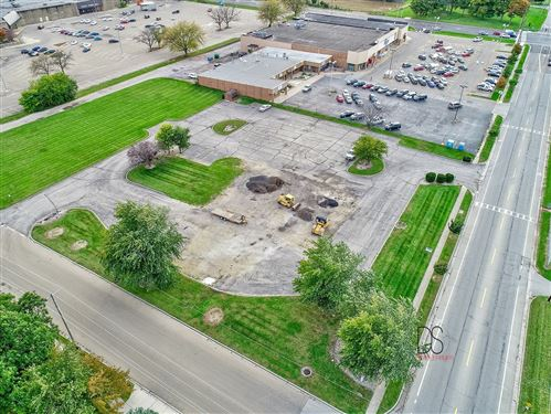 Photo of 401 East Mckinley Road, Ottawa, IL 61350 (MLS # 10544302)
