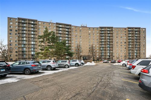 Photo of 6340 AMERICANA Drive #1222, Willowbrook, IL 60527 (MLS # 10971302)
