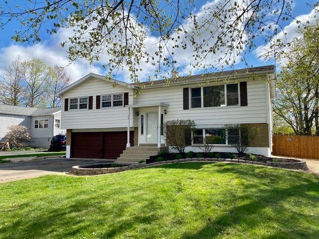 Photo of 506 HELENE Street, Shorewood, IL 60404 (MLS # 11055302)