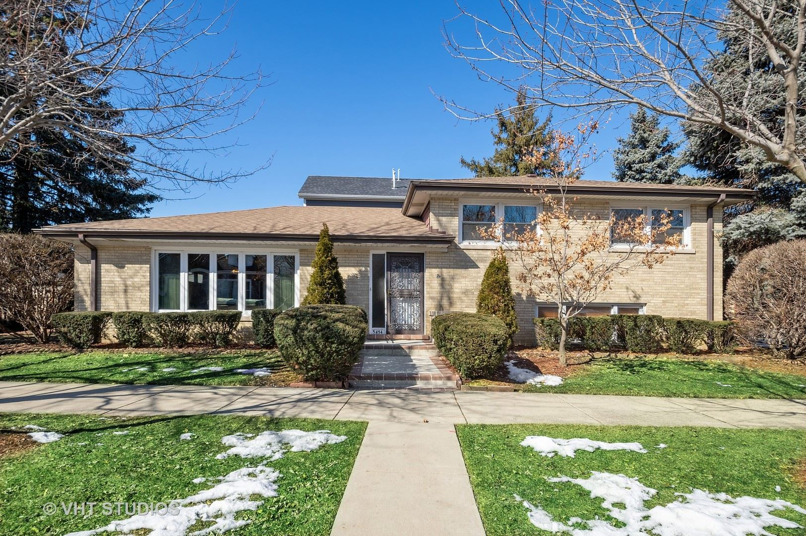 5454 N lynch Avenue, Chicago, IL 60630 - #: 10647303