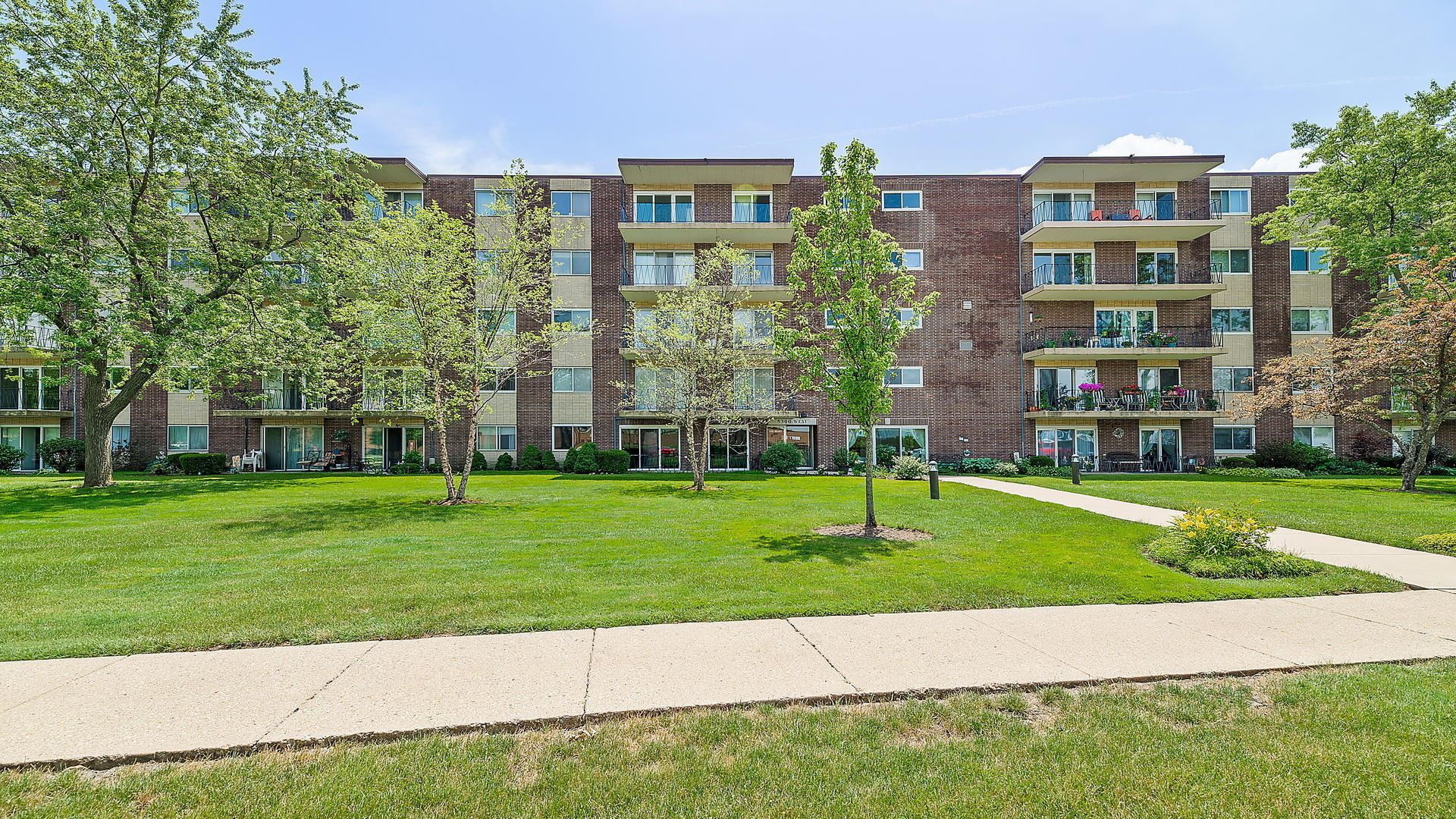 5300 Walnut Avenue #1B, Downers Grove, IL 60515 - #: 10765304