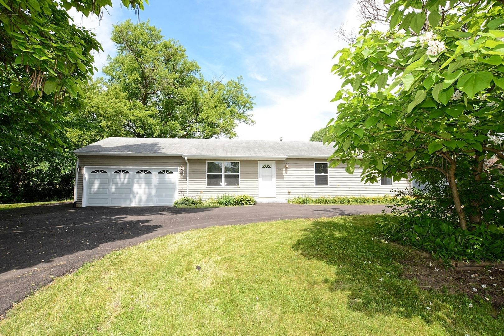 1820 State Route 176 Road, Crystal Lake, IL 60014 - #: 10758305