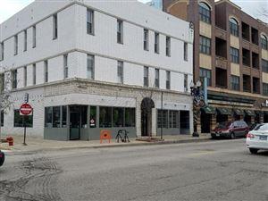 Photo of 928-930 West Belmont Avenue, CHICAGO, IL 60657 (MLS # 10151308)