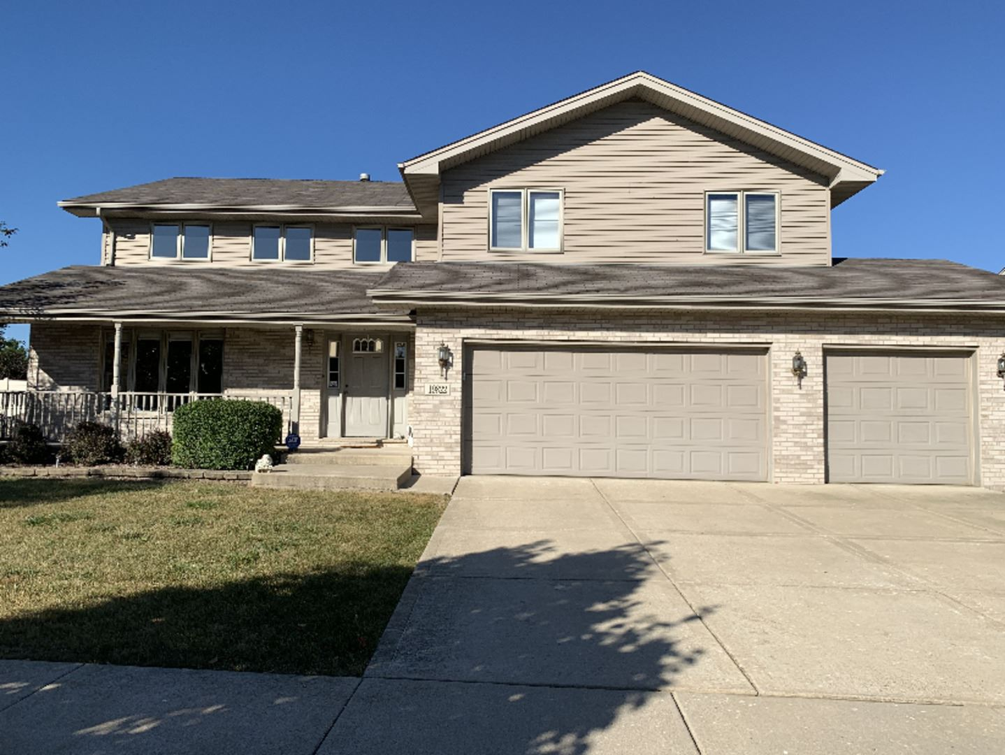 Photo for 19822 Silverside Drive, Tinley Park, IL 60487 (MLS # 10939308)