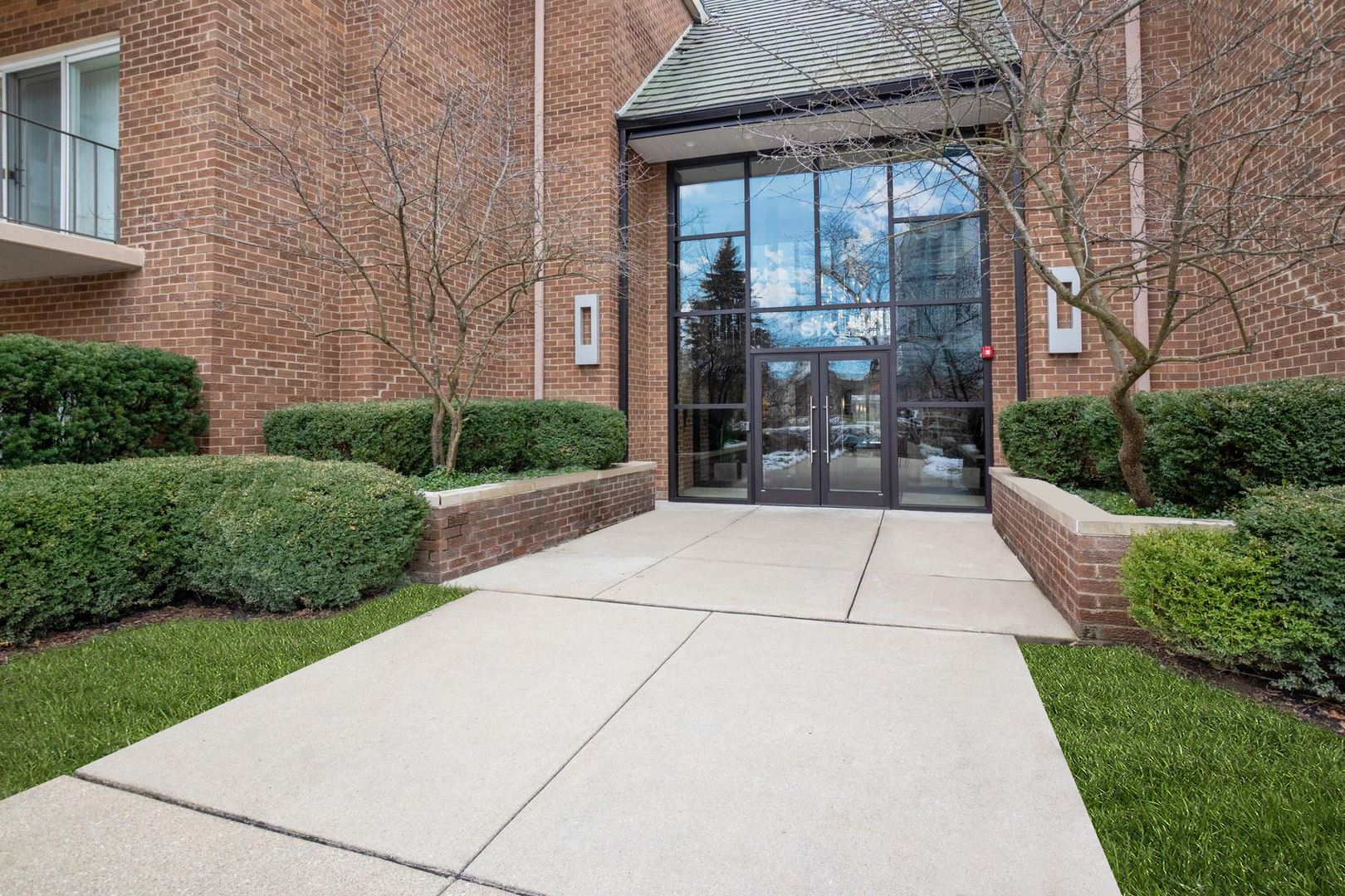 6 Oak Brook Club Drive #J205, Oak Brook, IL 60523 - #: 10630314