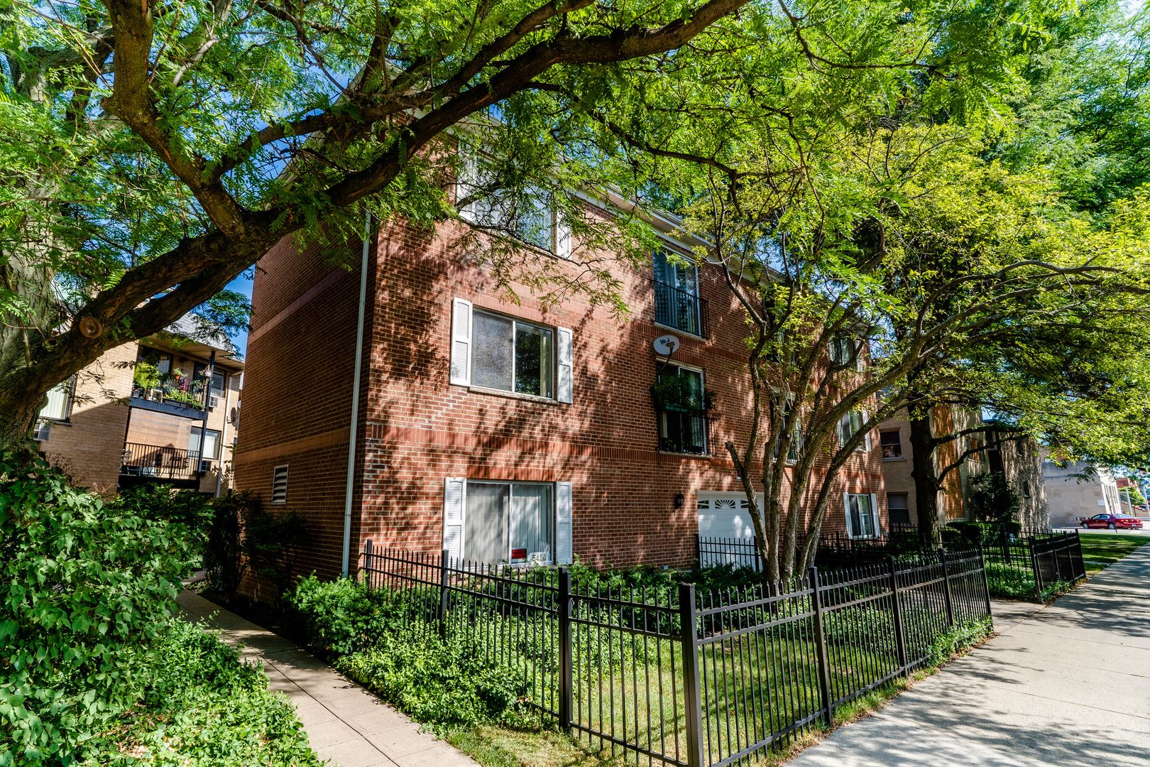 5450 W Gale Street #302, Chicago, IL 60630 - #: 10809318