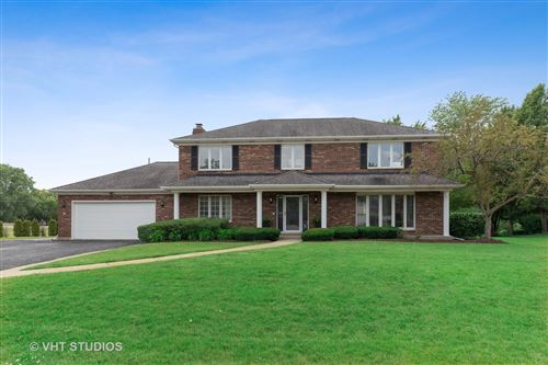 Photo of 810 DERBYSHIRE Lane, Prospect Heights, IL 60070 (MLS # 10766319)