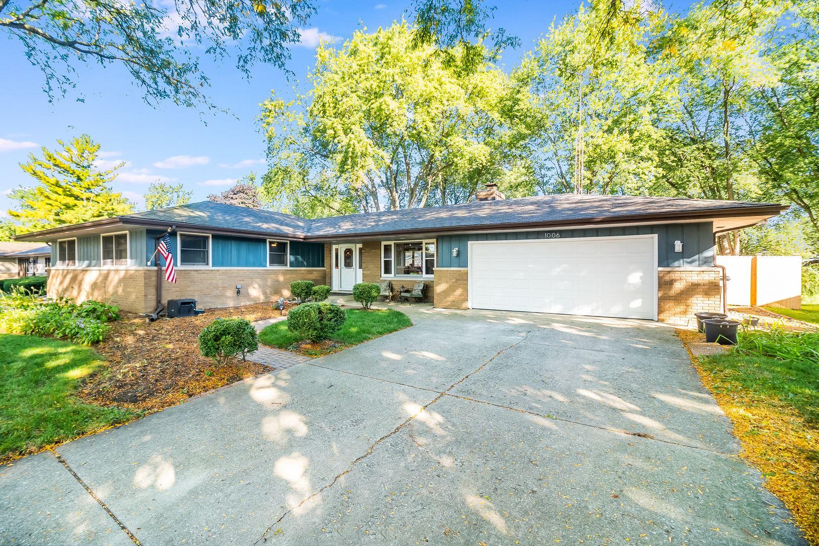 Photo of 1006 Lark Lane, Shorewood, IL 60404 (MLS # 10891319)