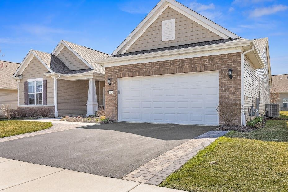 Photo of 405 NATIONAL Drive, Shorewood, IL 60404 (MLS # 11045319)