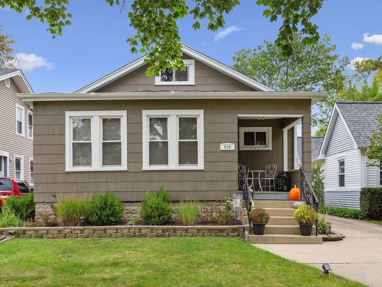 930 Greenview Avenue, Des Plaines, IL 60016 - #: 11240320