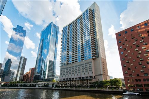 Photo of 333 N Canal Street #2201, Chicago, IL 60606 (MLS # 10719321)