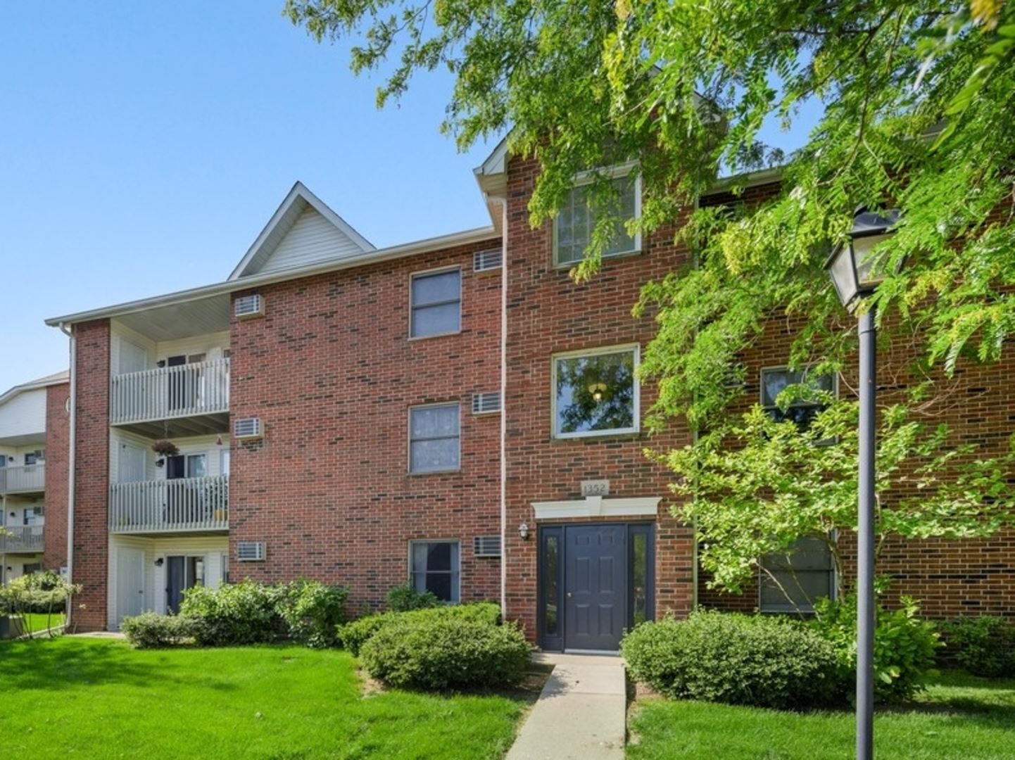 1352 Cunat Court #1A, Lake in the Hills, IL 60156 - #: 10750323