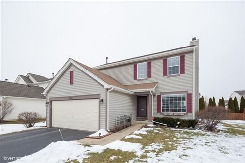 Photo of 3114 SHENANDOAH Drive, Carpentersville, IL 60110 (MLS # 10641324)