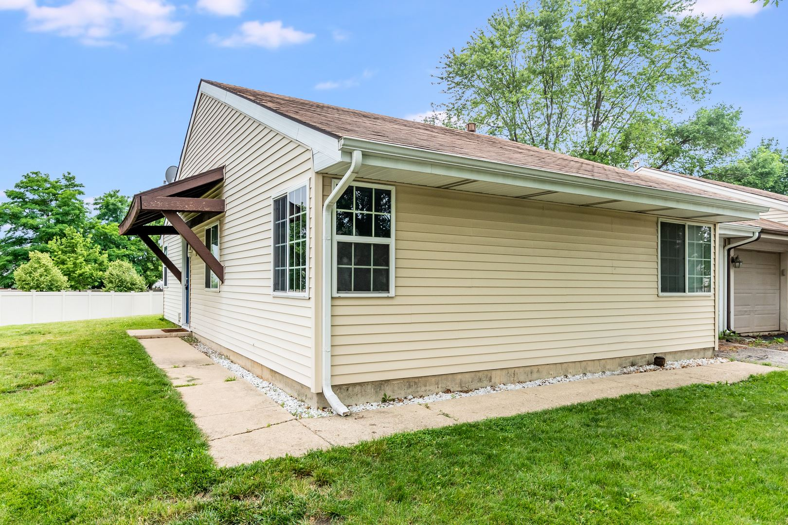 Photo of 42 Honeybear Lane, Romeoville, IL 60446 (MLS # 11142324)