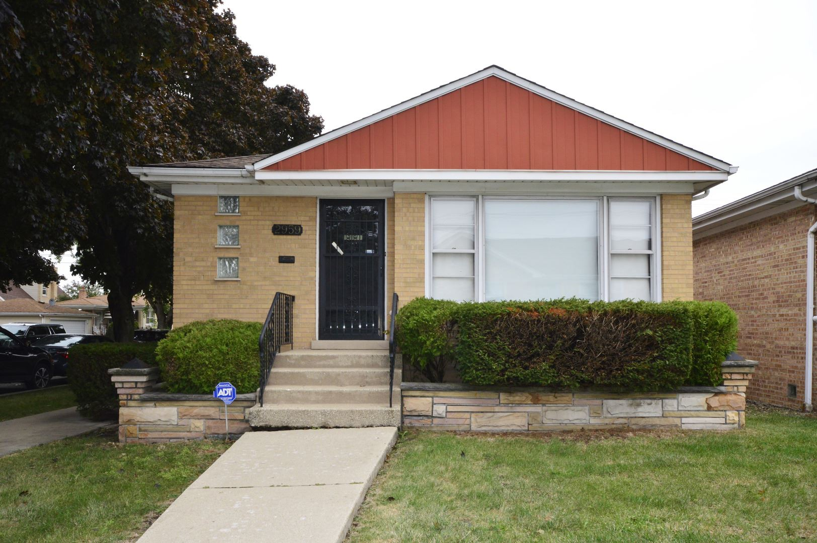 Photo for 2959 N Nashville Avenue, Chicago, IL 60634 (MLS # 10939325)
