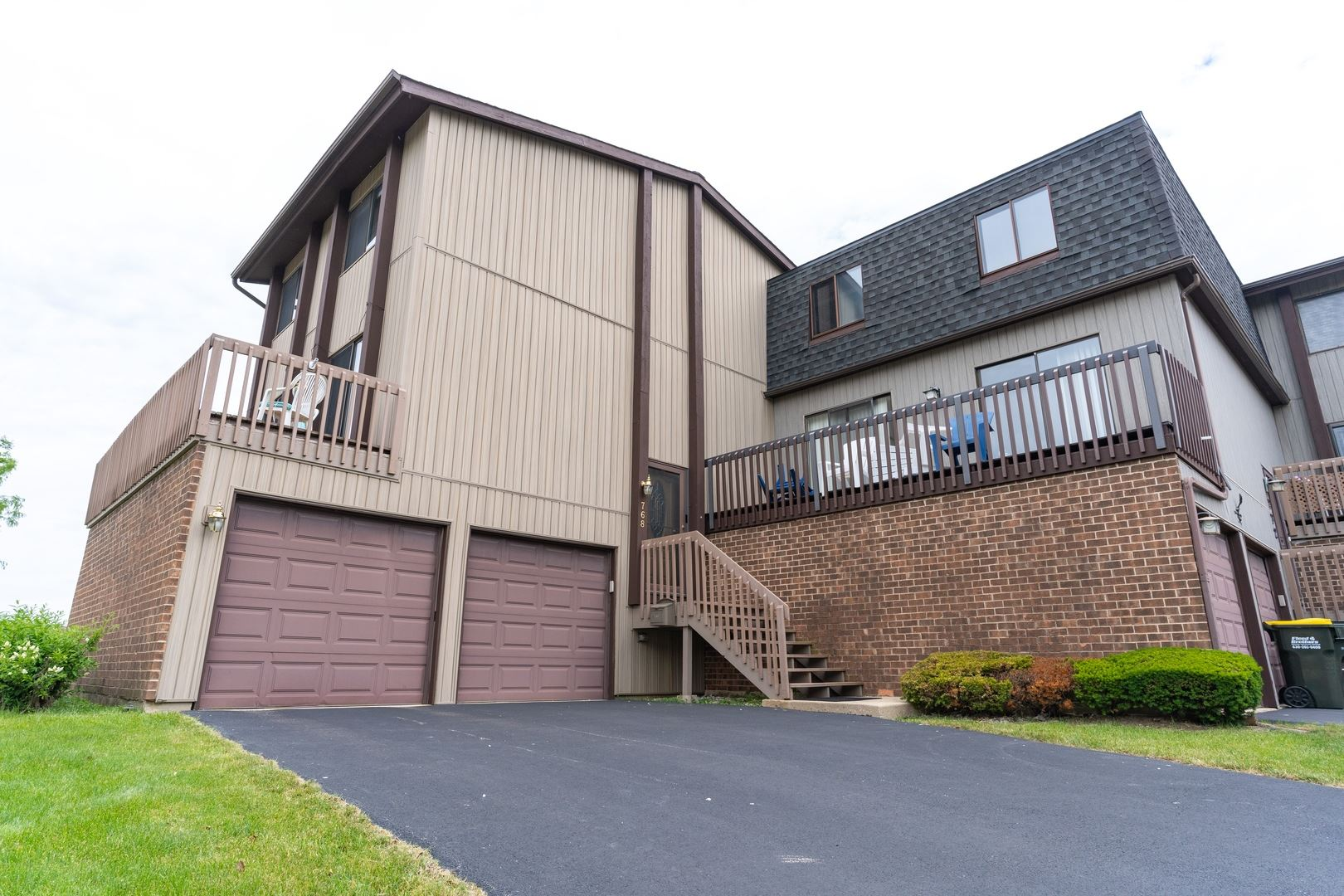 768 Golfview Drive, Roselle, IL 60172 - #: 10743328