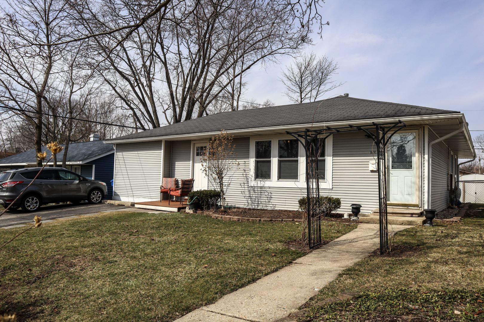 1810 Papoose Road, Carpentersville, IL 60110 - #: 11029328