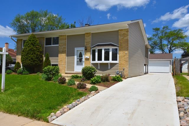 122 E Wrightwood Avenue, Glendale Heights, IL 60139 - #: 10352329