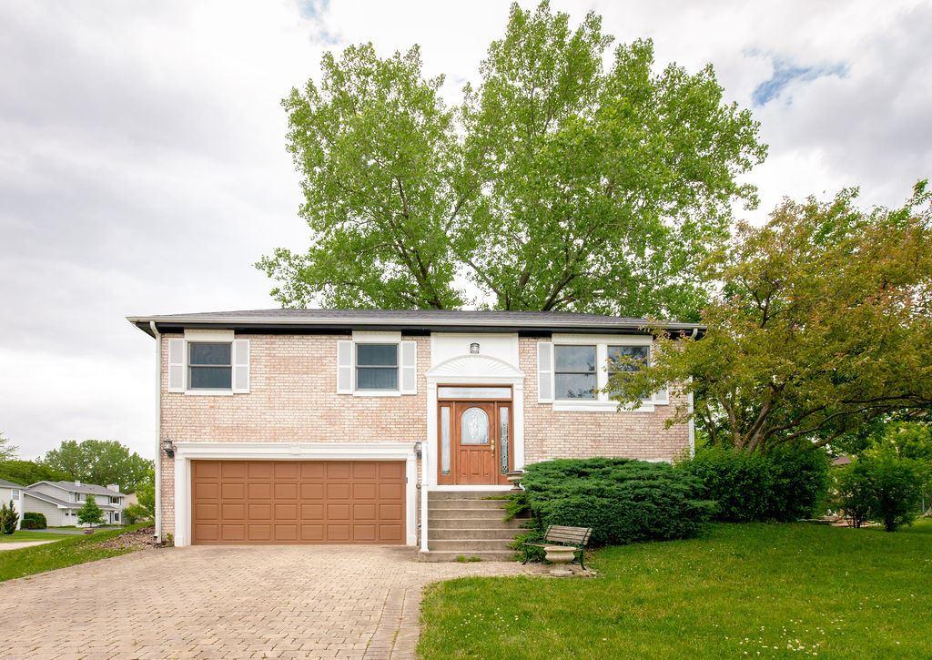 241 Gingerbrook Lane, Bartlett, IL 60103 - #: 10746329