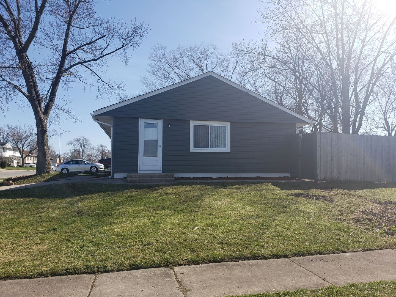 Photo of 556 Belmont Drive, Romeoville, IL 60446 (MLS # 11041330)