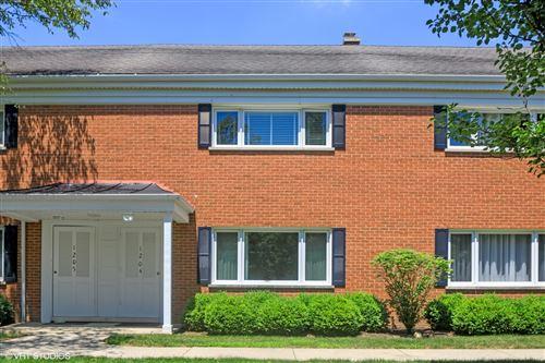 Photo of 1204 Chanticleer Lane, Hinsdale, IL 60521 (MLS # 10797331)