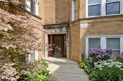 Photo of 744 W Melrose Street #1, Chicago, IL 60657 (MLS # 11170331)