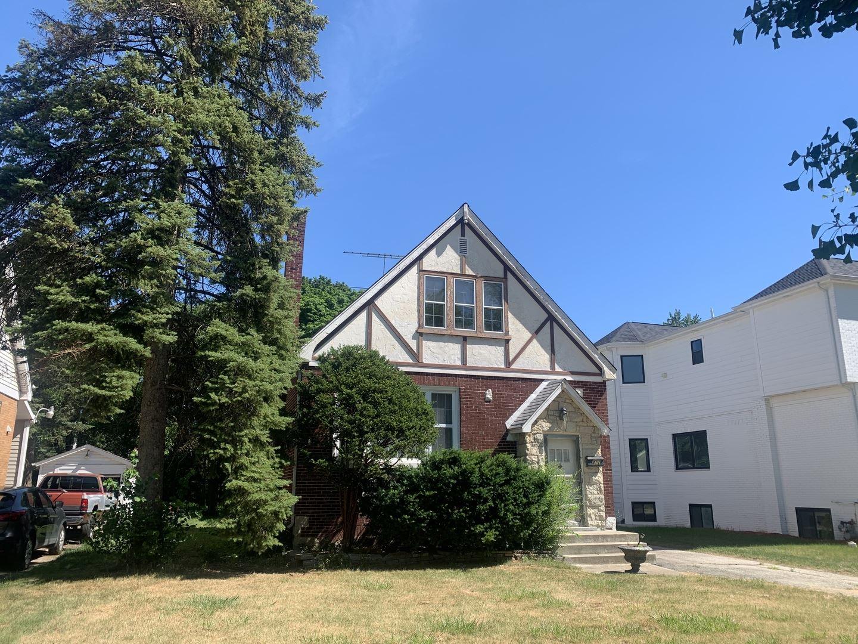 Photo of 411 W Alexander Boulevard, Elmhurst, IL 60126 (MLS # 11125331)