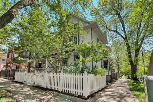 Photo of 2425 W Wilson Avenue, Chicago, IL 60625 (MLS # 11079334)
