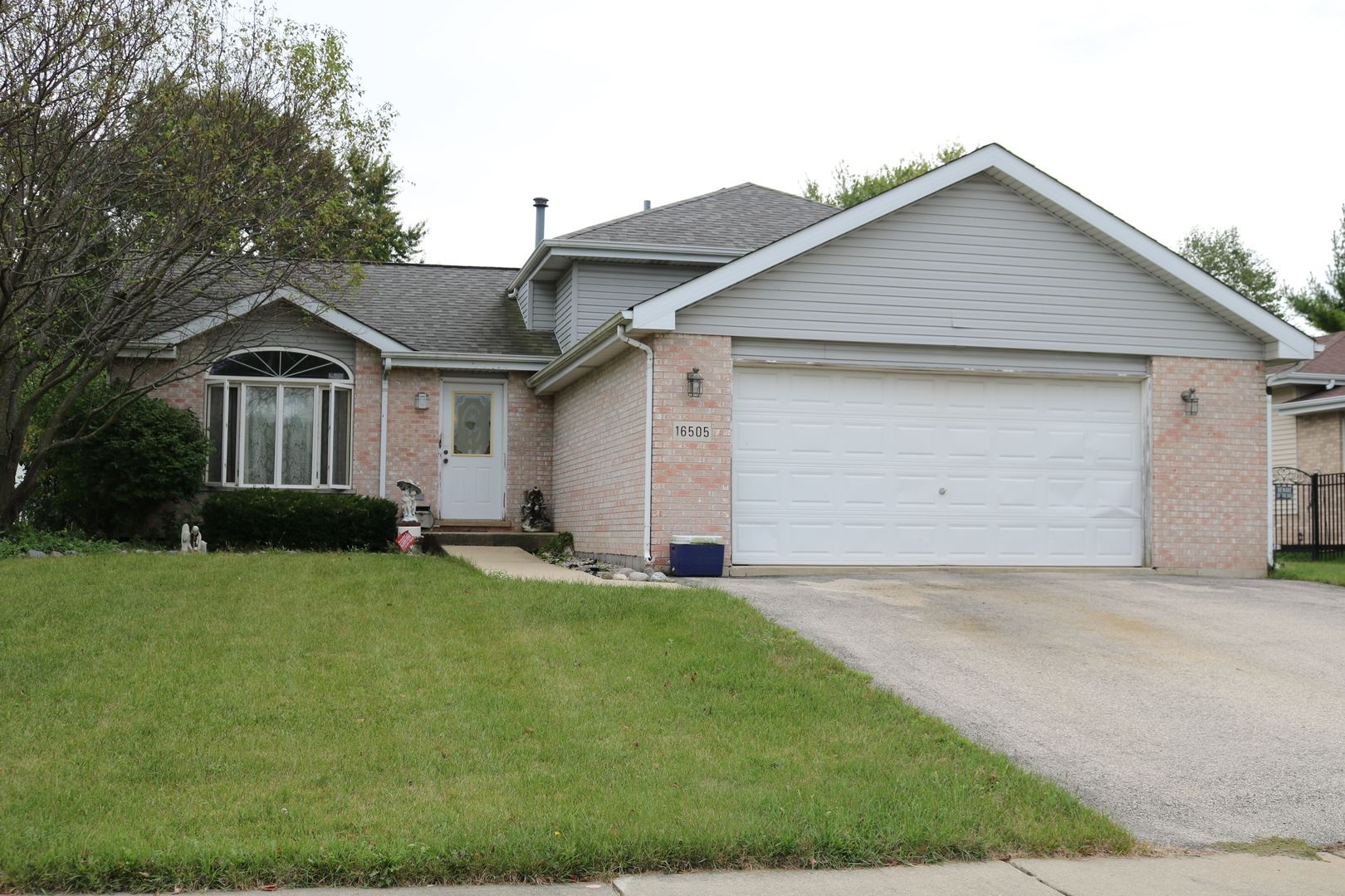 Photo of 16505 Timberview Drive, Plainfield, IL 60586 (MLS # 10855334)