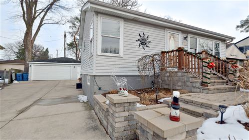 Photo of 2604 W Burlington Avenue, Downers Grove, IL 60515 (MLS # 10970335)