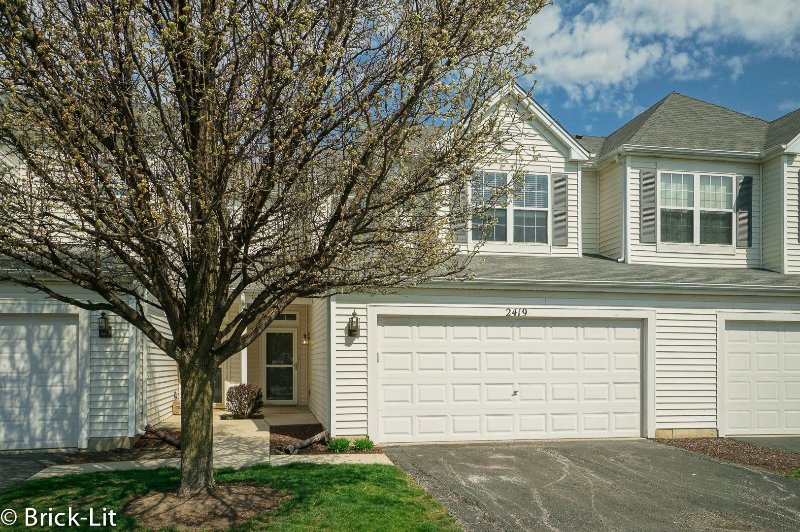 Photo of 2419 Brush Hill Circle, Joliet, IL 60432 (MLS # 11058336)