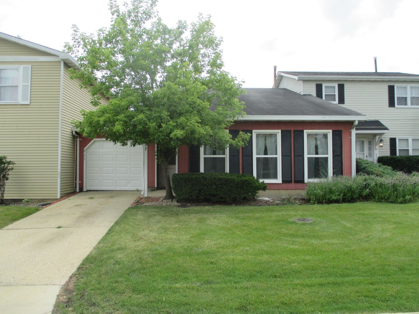 2177 College Drive, Glendale Heights, IL 60139 - #: 10805337
