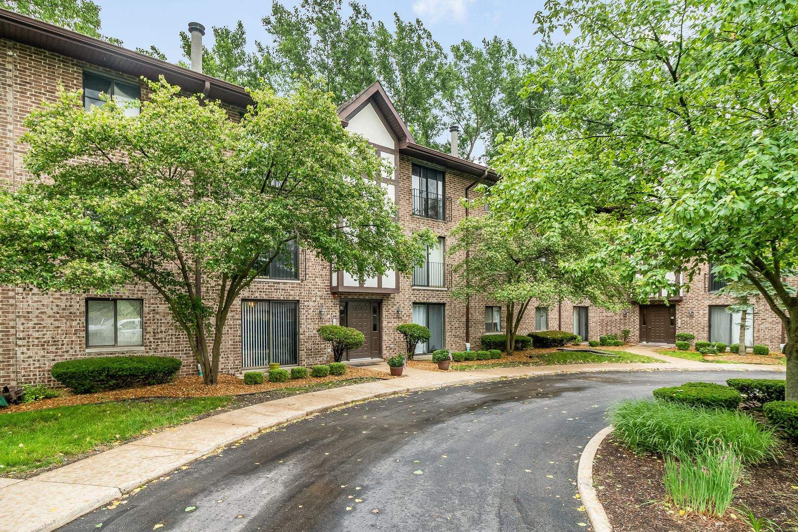 44 Harbor Court #204, Naperville, IL 60565 - #: 10746339