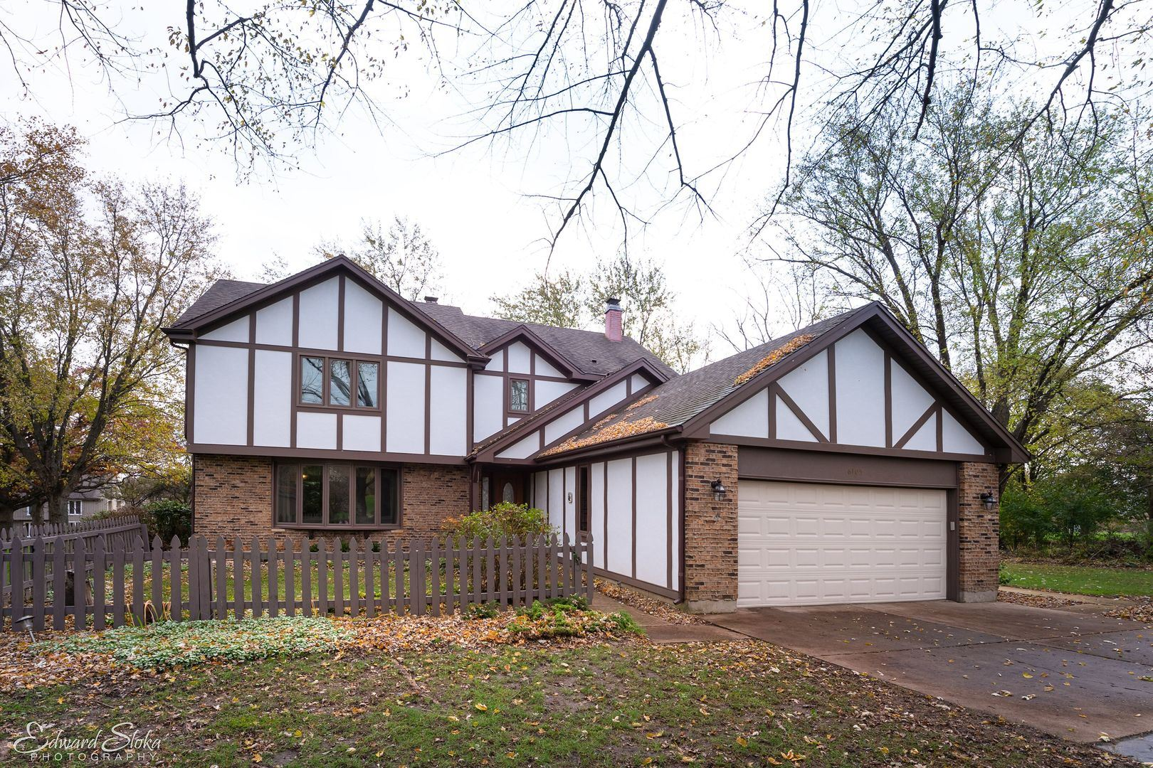 6105 Hidden Oak Court, Crystal Lake, IL 60012 - #: 10568341