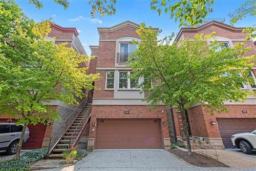 Photo of 27 W 15th Street, Chicago, IL 60605 (MLS # 11164342)