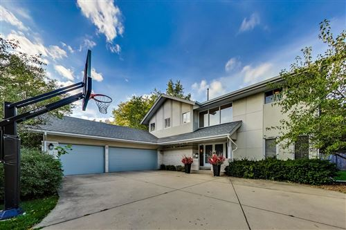 Photo of 2722 Old Glenview Road, Wilmette, IL 60091 (MLS # 10925344)