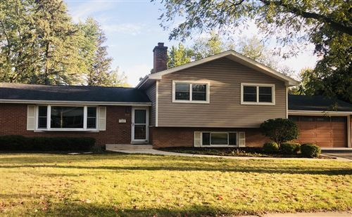 Photo of 328 Spruce Drive, Naperville, IL 60540 (MLS # 11223352)