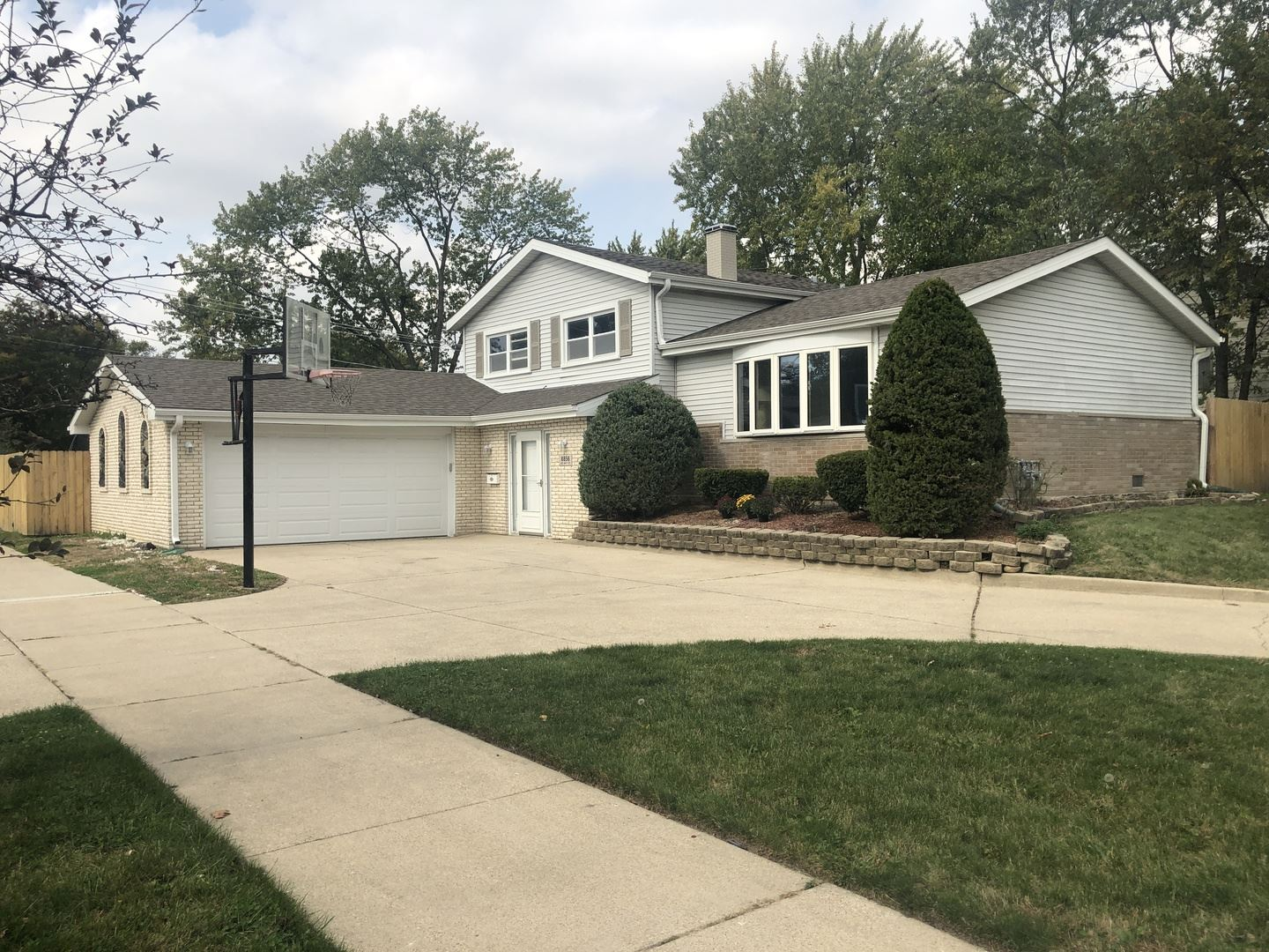 8856 84th Court, Hickory Hills, IL 60457 - #: 10902353
