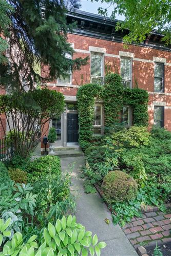 Photo of 2131 N Clifton Avenue, Chicago, IL 60614 (MLS # 10863355)