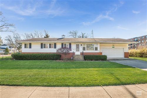 Photo of 642 Redwood Drive, Aurora, IL 60506 (MLS # 10939358)