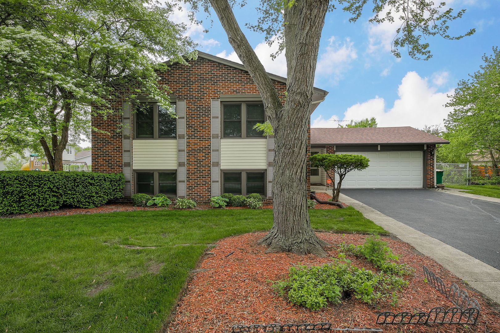 1020 Georgia Drive, Elk Grove Village, IL 60007 - #: 10726358