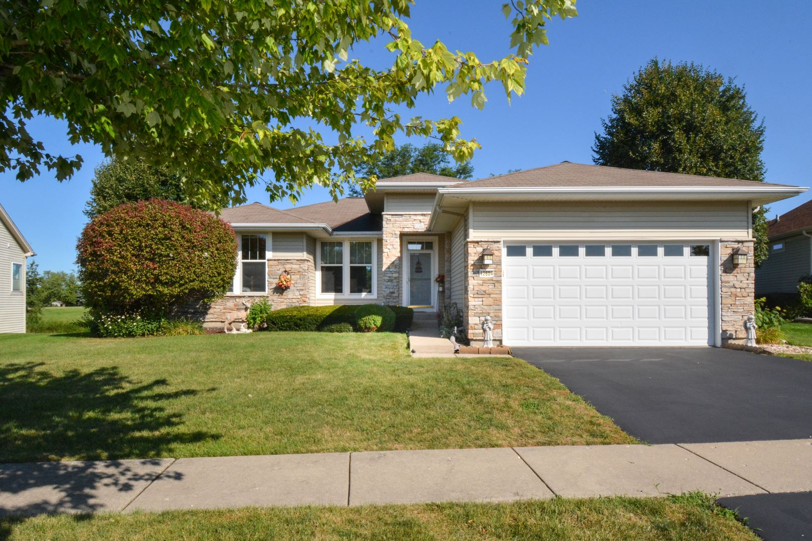 12604 OAK GROVE Drive, Huntley, IL 60142 - #: 10807359