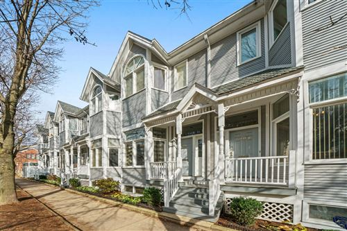 Photo of 3037 N Lakewood Avenue, Chicago, IL 60657 (MLS # 10976360)