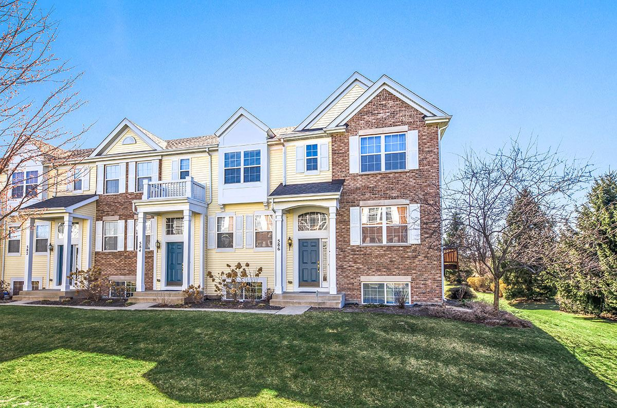 Photo of 586 Lincoln Station Drive, Oswego, IL 60543 (MLS # 11028361)
