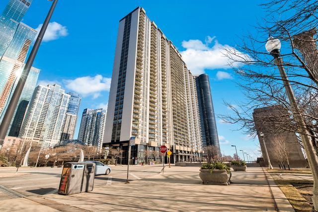 Photo for 400 East Randolph Street #804, Chicago, IL 60601 (MLS # 10634362)