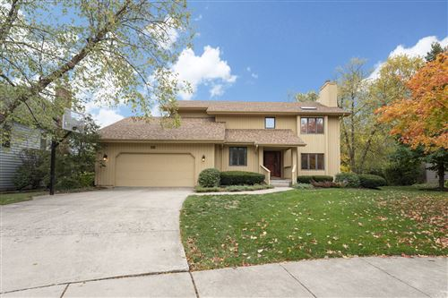 Photo of 5417 Challen Place, Downers Grove, IL 60515 (MLS # 10913365)