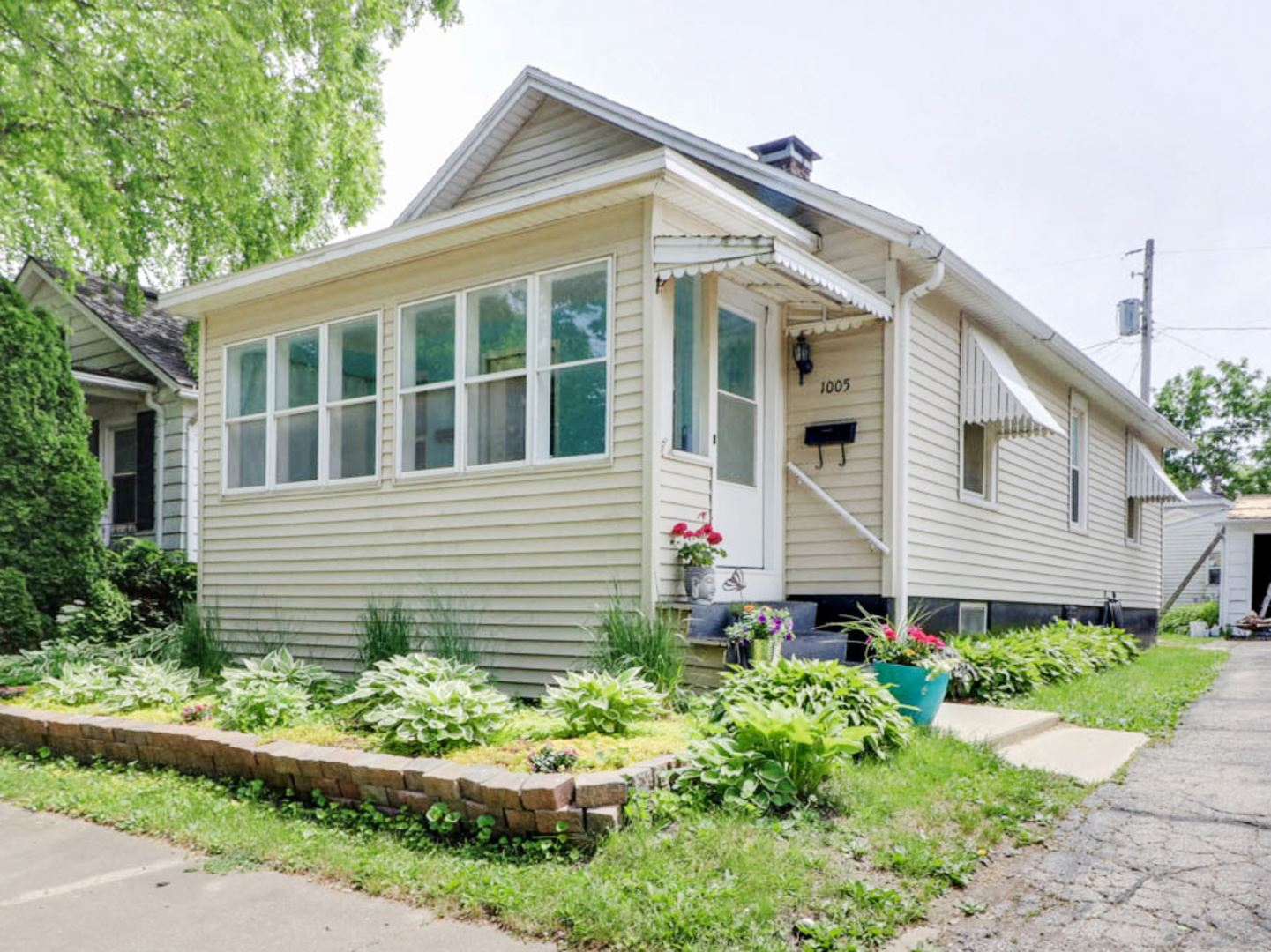 1005 E Taylor Street, Bloomington, IL 61701 - #: 10738366