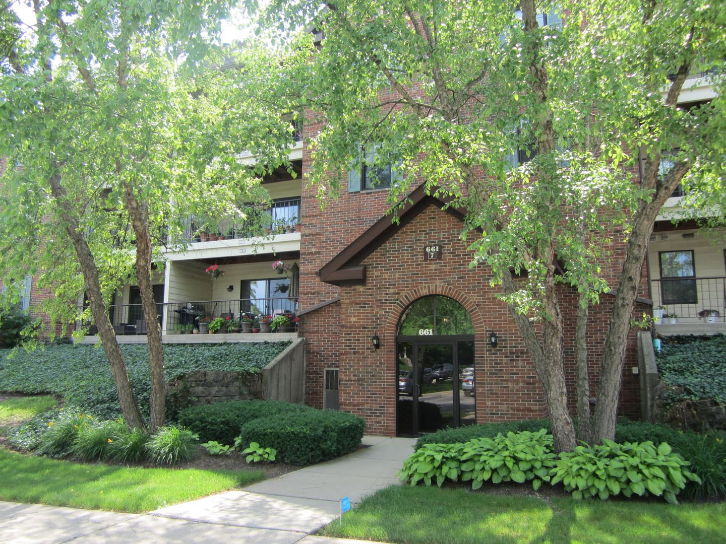 661 HAPSFIELD Lane #200, Buffalo Grove, IL 60089 - #: 10689369