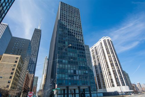 Photo of 900 N LAKE SHORE Drive #1406, Chicago, IL 60611 (MLS # 11070370)